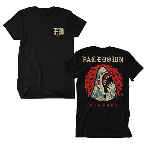 Tattoo Shark Black                                                             merch