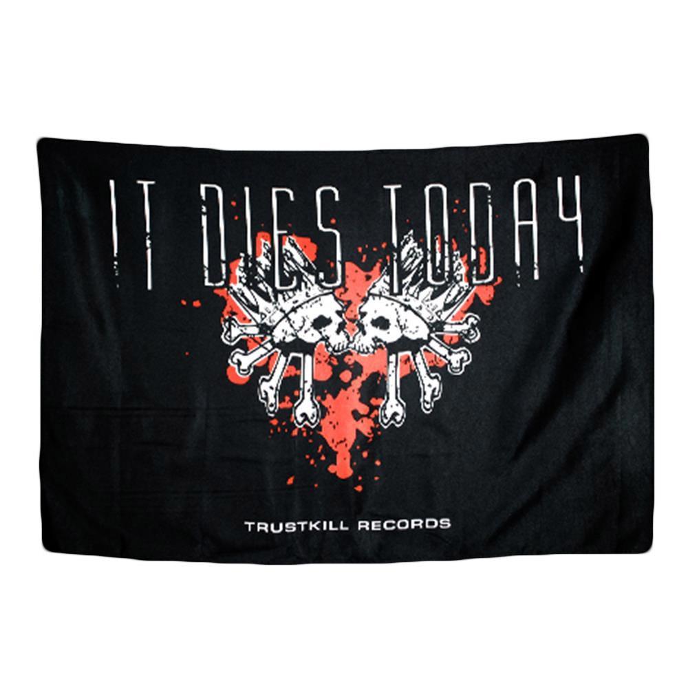 Heart Skulls Black Flag