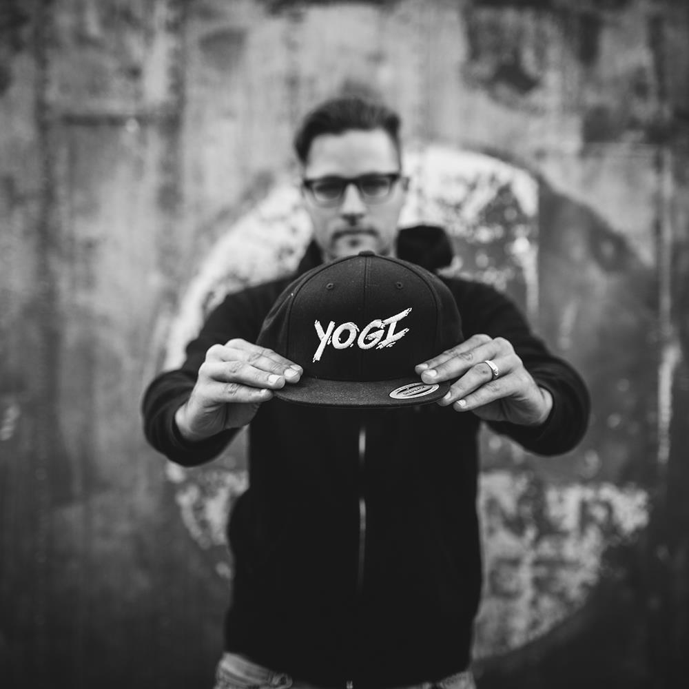 Yogi Black Snapback